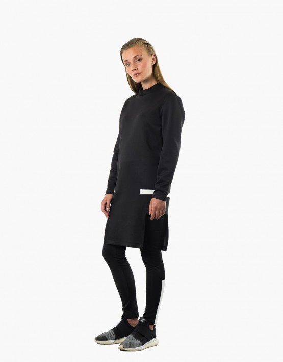 KAN sweater side